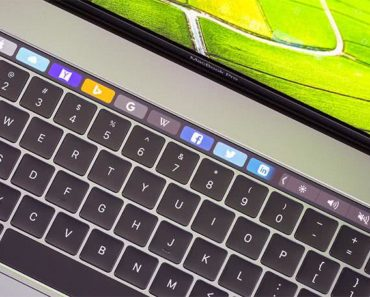 MacBook Pro: How To Add Clock To Touch Bar